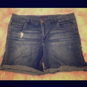 F21+ Medium Denim Shorts Size 16